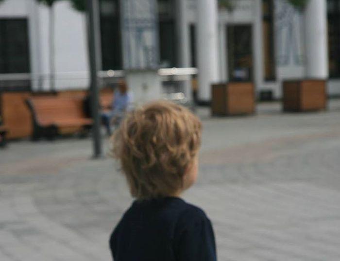 Смотрите на мир глазами ребенка ,дети не замечают зла ))) Kiev Kievonline Kiev_now Kids Being Kids Beautiful