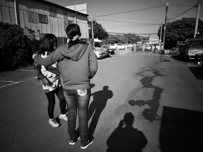 2017/4/3 家族群像 於社子 Taiwan Family Family❤ Family Time Bw Bw_lover BW_photography B&w Photo B&w Bw Photography B&w Photography Bwphotography Streetphotography Togetherness Full Length City Shadow EyeEmNewHere