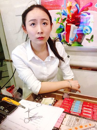 Take Photos People EyeEm China Hello World Beauty Girl Chinese Girl Streetphotography Lovely Snapshot Women Who Inspire You Iphonegraphy (null)People Watching