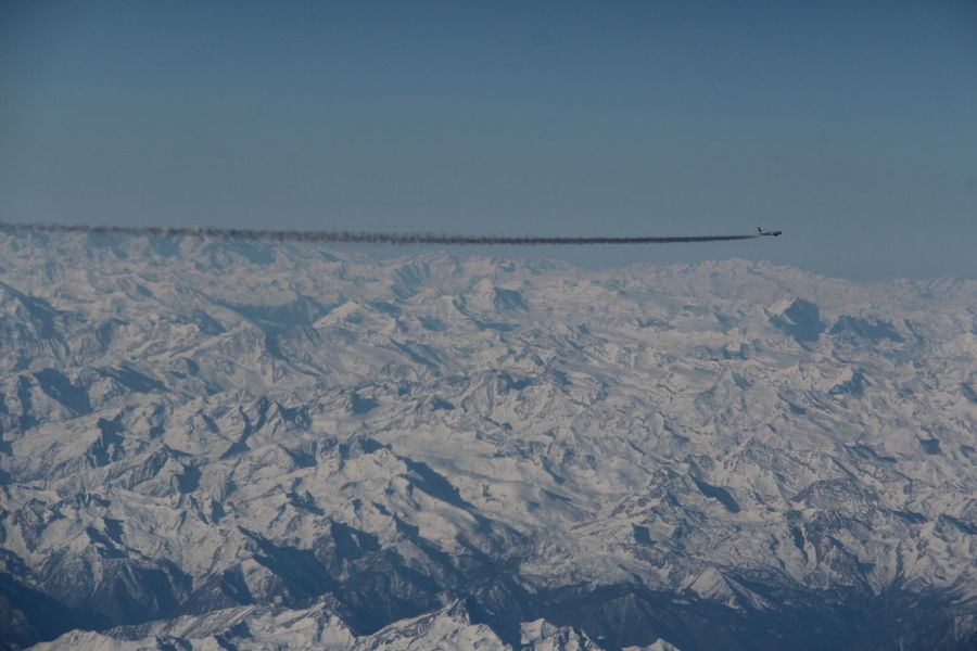 Aerial View Aples Human Vs Nature Mountain Non-urban Scene Plane Smoke Snowcapped Mountain Sun The Great Outdoors - 2016 EyeEm Awards