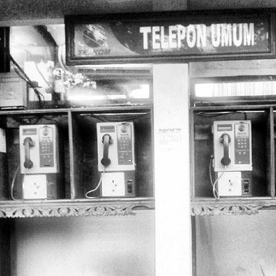 call me Payphone Publicphone Phonebooth Telephone Photooftheday Picoftheday Instanusantara Pictureoftheday Instanusantarabali Instanesia Instagood Instadaily Samsung Igers Bali INDONESIA LangitBaliPhotowork