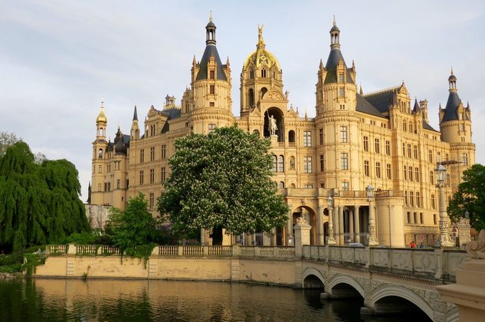 early evening walk Schwerin Schwerin Castle Schweriner See Schweriner Schloss GERMANY🇩🇪DEUTSCHERLAND@ German Germany Germany Photos Official EyeEm © Mecklenburg-Vorpommern Mecklenburg Mecklenburgvorpommern Schlösser Castle Hi! Hello World Eye4photography  EyeEm Best Shots Märchenschloss Romantic Idyllic Idyllic Scenery Idyllic City The Great Outdoors - 2016 EyeEm Awards