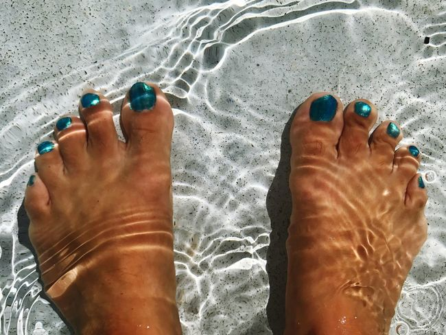 Break The Mold Human Feet Barefoot Water Toenail Nail Polish