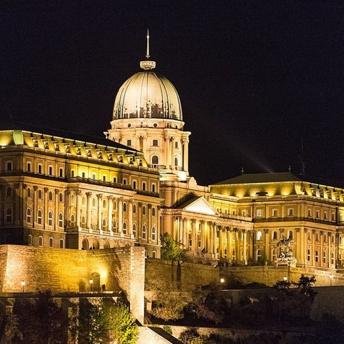 Buda Castle. #travel #budapest #buda #holiday #latergram #ungarn #budavari #palota #hungary