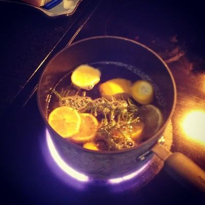 this is simmering in my kitchen right now. Lemon Rosemary Vanilla home deodorizer. house smells amazing :)