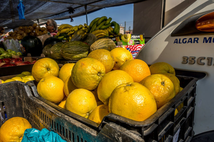 Roquetas De Mar SPAIN Almería Market Street Market Spanish Market Food And Drink Food Healthy Eating Fruit Freshness Wellbeing Market Stall For Sale Citrus Fruit Basket Retail  Still Life Business Orange Lemon Orange - Fruit Retail Display No People Ripe