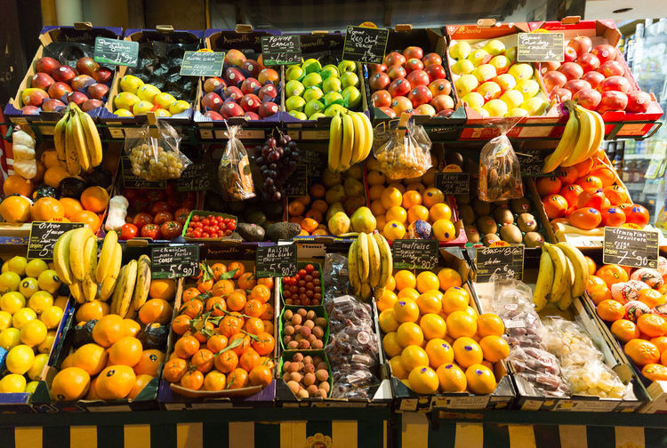 Abundance Apple - Fruit Choice Day Food Food And Drink For Sale Freshness Fruit Healthy Eating Large Group Of Objects Market Market Stall Multi Colored No People Outdoors Price Tag Retail  Supermarket Variation