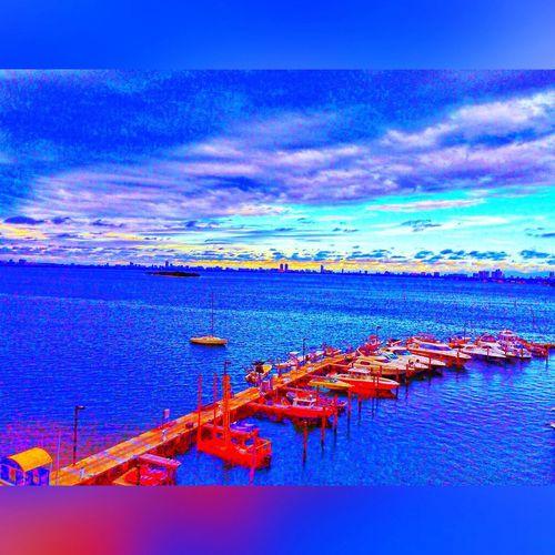 Miami FL 🇺🇸☀️ Sunset #sun #clouds #skylovers #sky #nature #beautifulinnature #naturalbeauty #photography #landscape Miami Heaven 🇺🇸☀️FL EyeEmBestEdits EyeEmBestPics EyeEm EyeEm Best Shots My Smartphone Life EyeEm Gallery HDR Portrait Of America