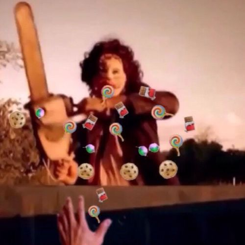 Halloween Cinema Film MOVIE Chainsaw Tobe Hooper The Texas Chain Saw Massacre 🎶 Ramones - Chain Saw