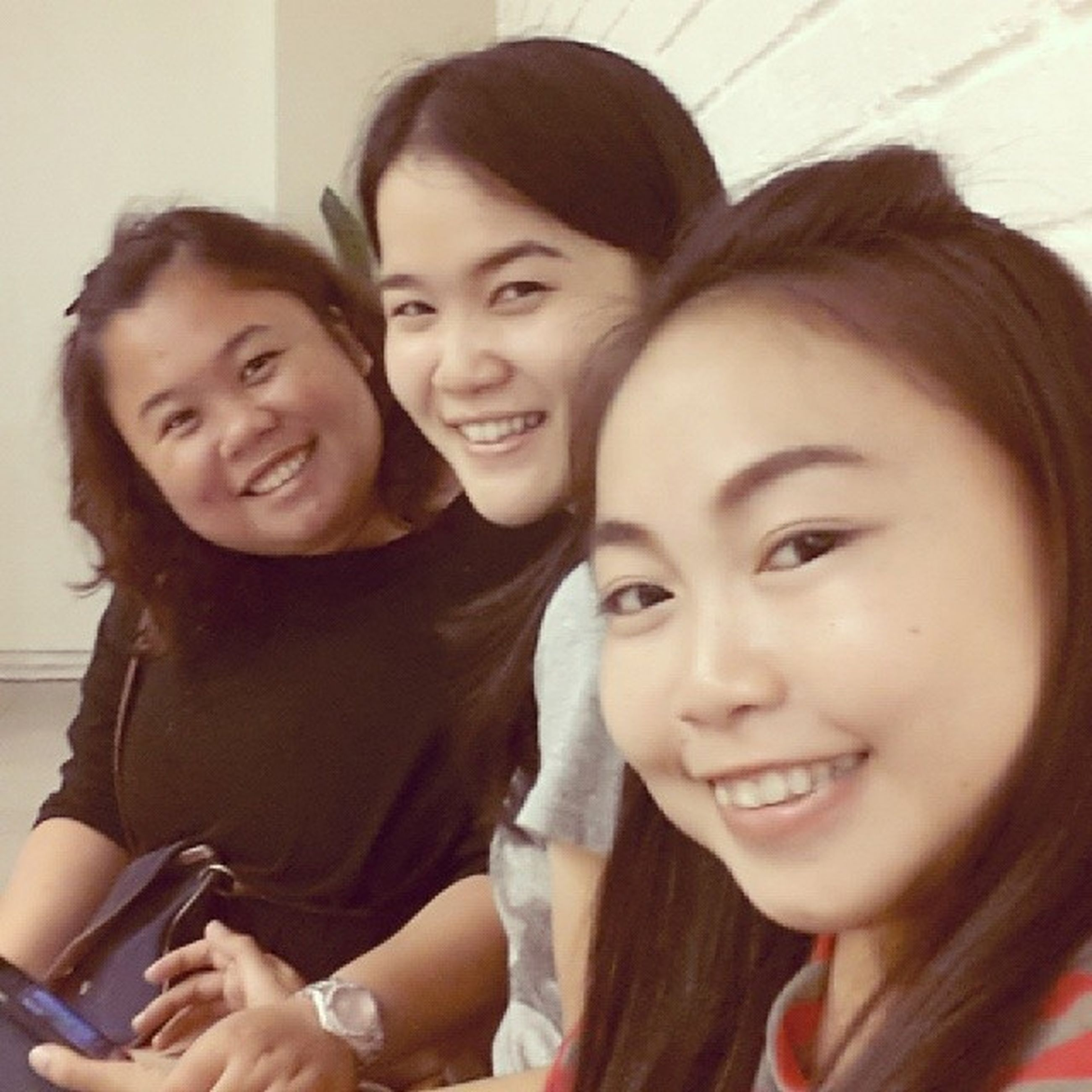 togetherness, bonding, person, lifestyles, portrait, looking at camera, love, smiling, happiness, leisure activity, young women, young adult, front view, friendship, indoors, toothy smile, family