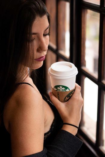 Starbucks Starbucks Coffee Drink Froth Art Saucer Black Coffee Iced Coffee Ice Cube Drinking Straw