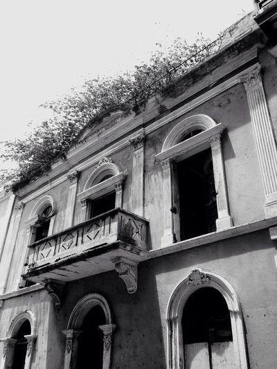 Creepy building Old San Juan Puert Rico❤ Beach Puerto Rico