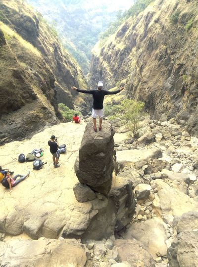 Trek's in Maharashtra Valley Rocks Pose Clouds People New View Forest Mountains Rappelling Trekking Trek Nature Sandhan