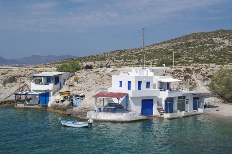 Griechenland Milos Island Architecture Building Exterior Built Structure Day Greece House Moored Mountain Nature Nautical Vessel No People Outdoors Residential Building Scenics Sea Sky Transportation Water