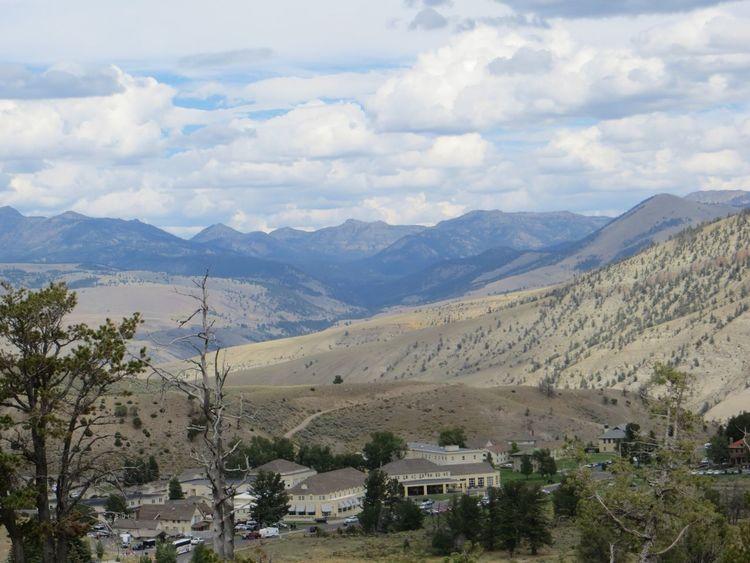 Yellowstone Mountains Valley