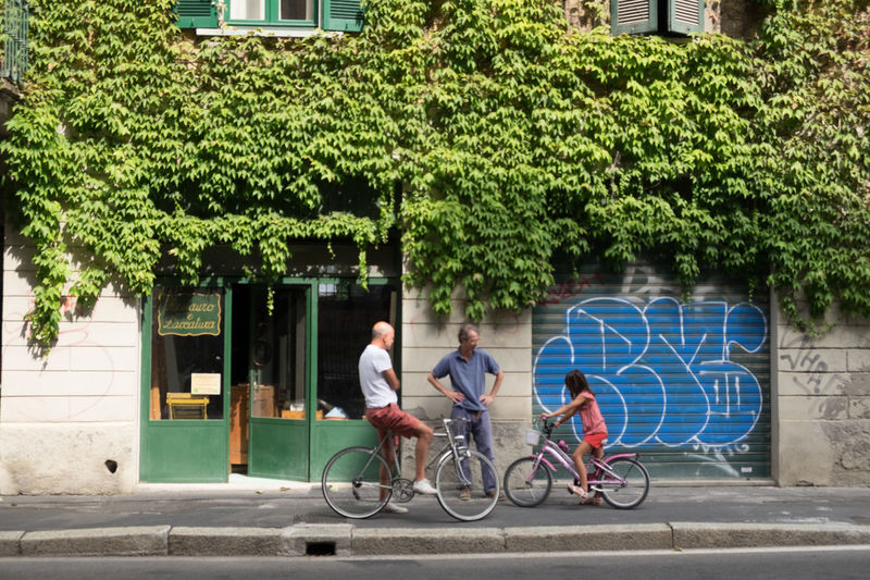 Bicycle City Life Cityscape Embrace Urban Life Green Color Italy Lombardia Milan,Italy Milano People Togetherness
