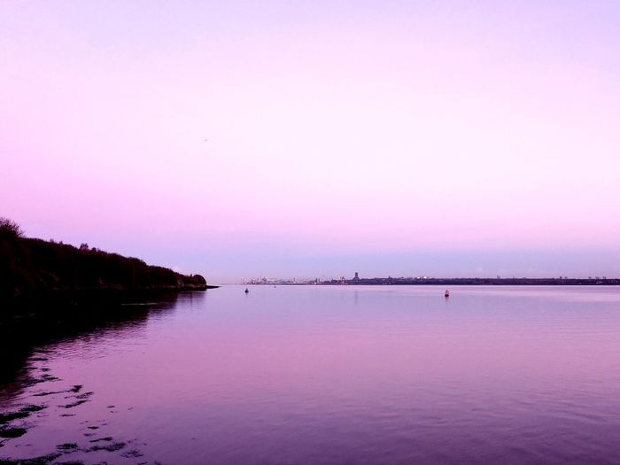 Wirral Liverpool Waterfront Merseyside Liverpool Easthamferry Water Sunset Lake Pink Color Beach Awe Reflection Blue Purple Idyllic Romantic Sky Standing Water Dramatic Landscape Atmospheric Mood Moody Sky Dramatic Sky