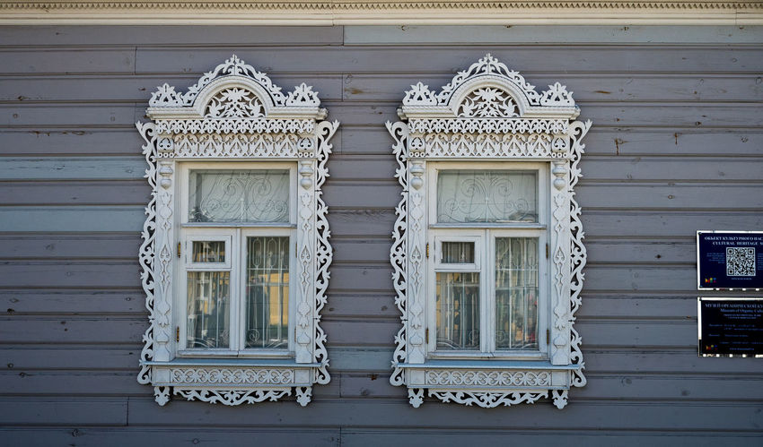 Russia, tourism, wooden house, Kolomna Russia Wooden Houses Architecture Building Building Exterior Built Structure Closed Day Design Door Floral Pattern House Low Angle View No People Old Ornate Outdoors Pattern Residential District Safety Wall - Building Feature White Color Window Wood - Material Wooden House