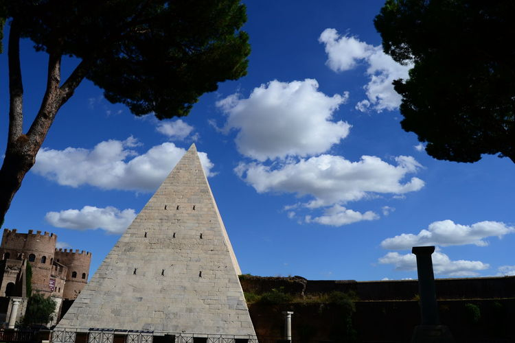 my favourite place in Rome English Cemetery Of Rome Roma Rome EyeEm Best Shots An Eye For Travel EyeEmBestPics EyeEm Gallery EyeEmNewHere Pyramid Travel Destinations History Ancient The Past Ancient Civilization Architecture Travel Built Structure Archaeology Cloud - Sky Sky Monument No People