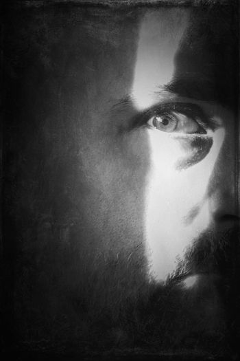 Why do I hide from myself? Monochrome Portrait EyeEm Bnw Blackandwhite Conceptual Mysterious Philosophical Shootermag AMPt_community NEM Black&white