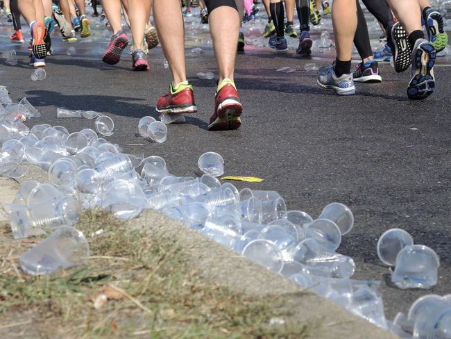 The Way Forward Outdoors Berlinmarathon Berlin Marathon  Berlin Marathon 2016 Berliner Ansichten Lifestyles City Life Party - Social Event Large Group Of Objects Empty Cup Street Cups Cup Focus On Foreground Marathon Marathonrunner Running Road My Year My View