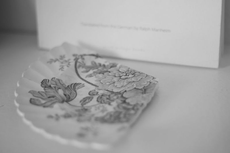 Simple quiet love in bw. Good morning :) Still Life Tranquil Scene Atmospheric Mood Simple Quiet Love Antique Antique Plate Monochromatic Memories Monochrome Blackandwhite