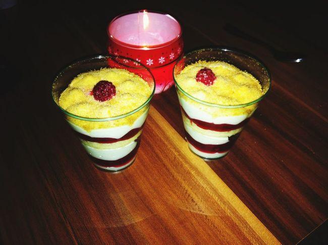 Nachspeise Dessert Himbeere  Lecker