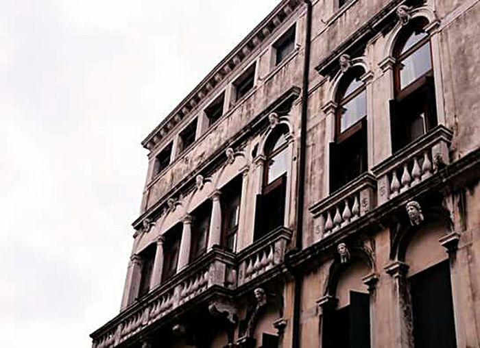 Venice, Italy Urbangrammers Eyeem Photography Createexploretakeover Way2ill HSDailyFeature Building Pinkbuilding