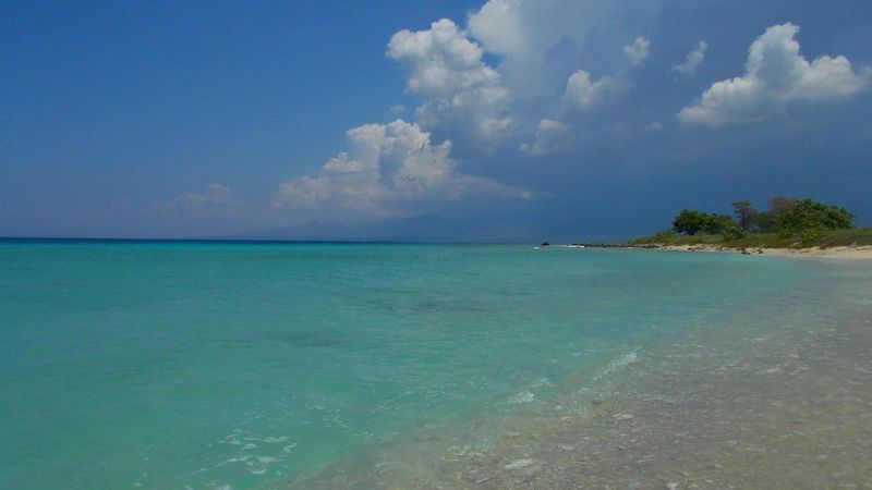 Beauty In Nature Calm Clouds And Ocean Cuba Magic Beach Magic Water Ocean Outdoors Peaceful Time Sea Tranquil Scene Tranquility Vibrant Color