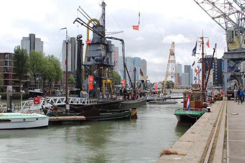 Boat Clouds River Rotterdam Wereldhavendagen