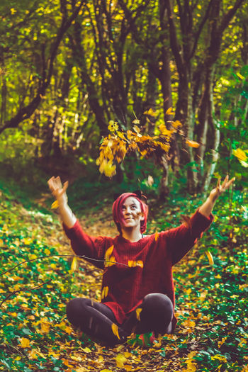 Beauty Adult People Young Adult Smiling Young Women Adults Only Happiness One Person Dancing Women Nature Portrait Females Only Women Lifestyles Multi Colored One Young Woman Only One Woman Only Beauty In Nature Leaf Tree Camera - Photographic Equipment EyeEmNewHere VSCO