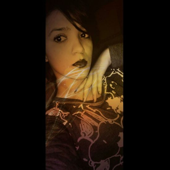 Womanizer Girl Seriousness  Posing Mouth Sexy Black Orange Lips Face Shorthair Bad Feel Music