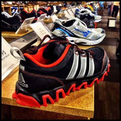 Shopping heaven for some - DSW. #iphoneography #ijomo #silverspring IPhoneography Silverspring Ijomo