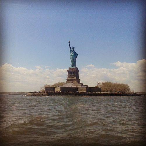 Libertystatue  Newyorkcity Sunnyday