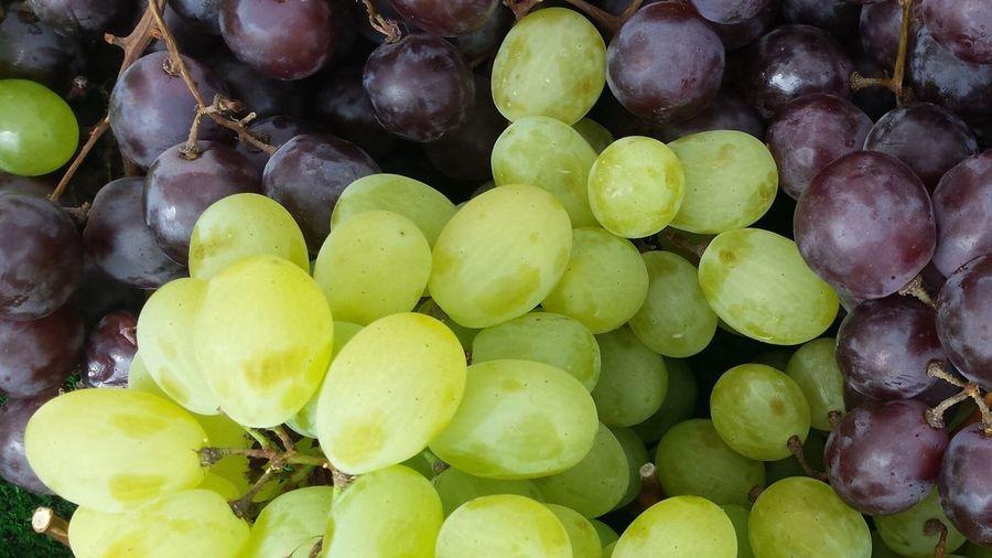 Full Frame Shot Of Grapes