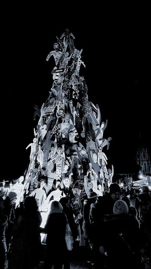 Night Motion EyeEm EyeEm Selects EyeEm Gallery Black&white Blackandwhite Photography Black And White Collection  EyeEm Best Shots Wintertollwood Theresienwiese Tollwood Weihnachtsdeko Weihnachtsbaum🎄 Christmas Market Christmas Tree!