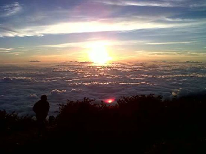 Sunrise in Lawu Mountain Karanganyar Solo Central Of Java INDONESIA Morning Sky Adventure LearningPhotography Surf's Up Camping