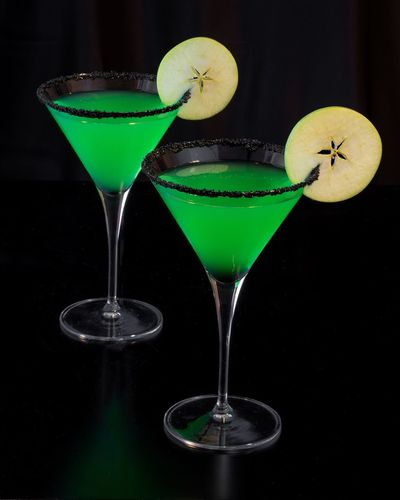 Apple Martini with Apple Slices Food And Drink Cocktail Drink Refreshment Indulgence Apple Photo Of The Day Adult Cocktail Nightcap Beverage Sophisticated Alcohol Libation Classy Martini Mocktail