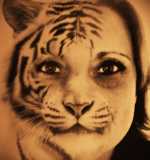 Hear Me Roarrrrr! Check This Out Earn My Memory  Self Portrait From My Point Of View Lily May Art EyeEm Gallery Lily Style Belgium Lilymayparker.blogspot.be Lily May Parker Own Style  Lily Dark Matters Beautiful That's Me Hear Me Roar