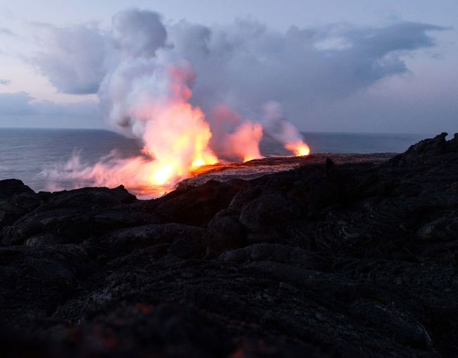 Power In Nature Lava Erupting Ash Accidents And Disasters Danger Active Volcano Volcanic Landscape Flame Volcano Volcanic Activity Fire - Natural Phenomenon