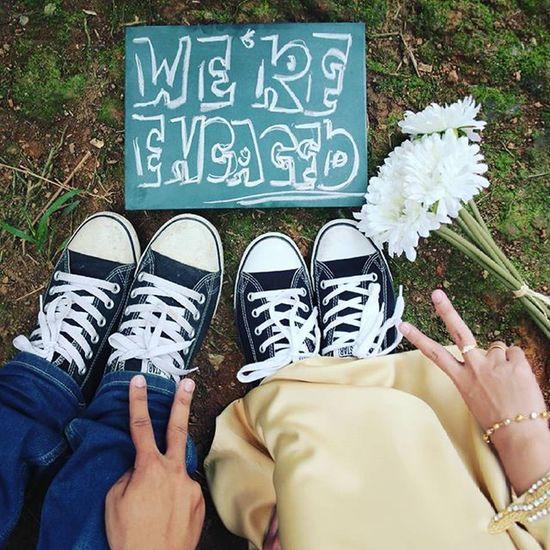 Teaser dulu Alfaizah & Mr Ehem2 Engagement Tunang Ring Shoes Chalkboard VSCO Malayweddingguide Jurugambarperkahwinan Malay_wedding Engaged Engagementring Couple Like4like Sweet Vscomalaysia Vscocam