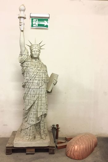 Kunstbetrieb Liberty Statue Wall - Building Feature Human Representation Representation Art And Craft No People Female Likeness Indoors  Sculpture