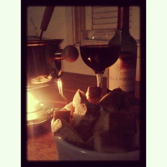 Fondue e vinho com meu amor! Fondue Vinho Amor Frio queijo instamood instagood florianópolis floripa ??⛄
