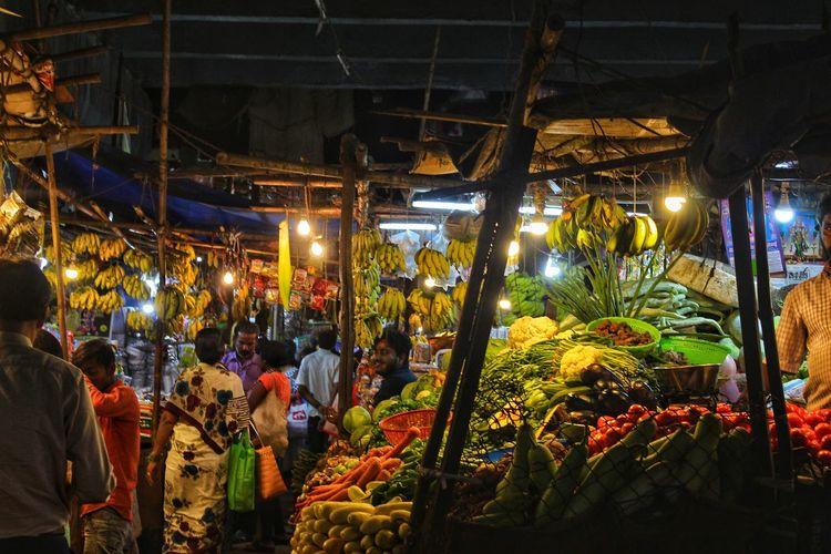 Market Hanging