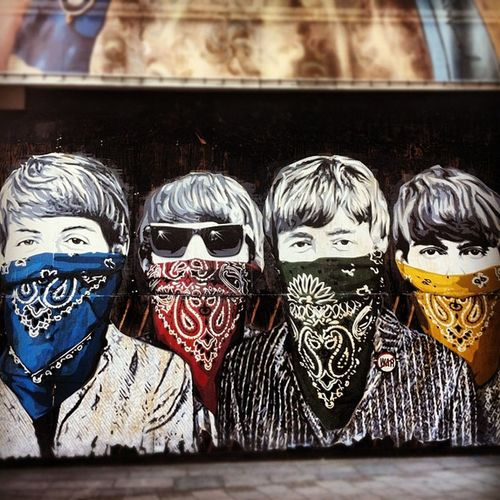 Gangstas Streetart London Colourful Gangsta Thebeatles Wc1 Newoxfordstreet