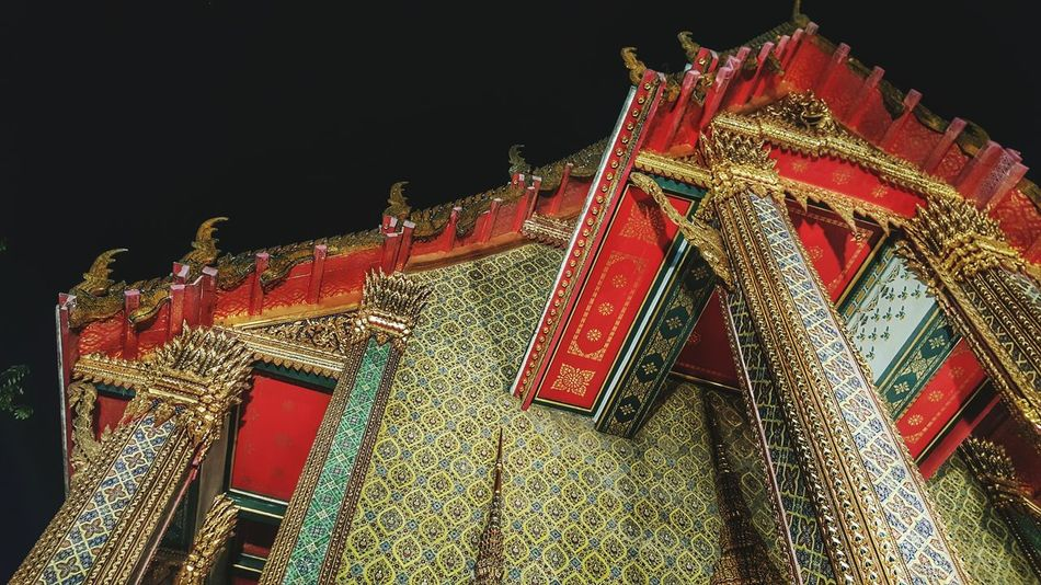 Red Low Angle View Black Color Gold Colored No People Architecture Sky Outdoors Sacred Calm Tranquility Serenityandpeace Serene Tranquil Outdoors Serene Nighttime Nightphotography Buddhist Buddhism Ritual Rituals & Cultural Architecture Temple Temple - Building Temple Architecture The Architect - 2017 EyeEm Awards