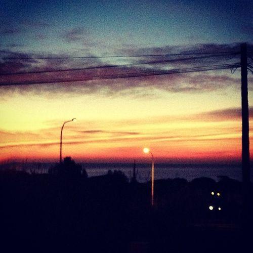 Bon dia #premia! Sunshine Morning Sky Goodmorning Day Early Photooftheday Wakeup Earlybird Instamorning Premia