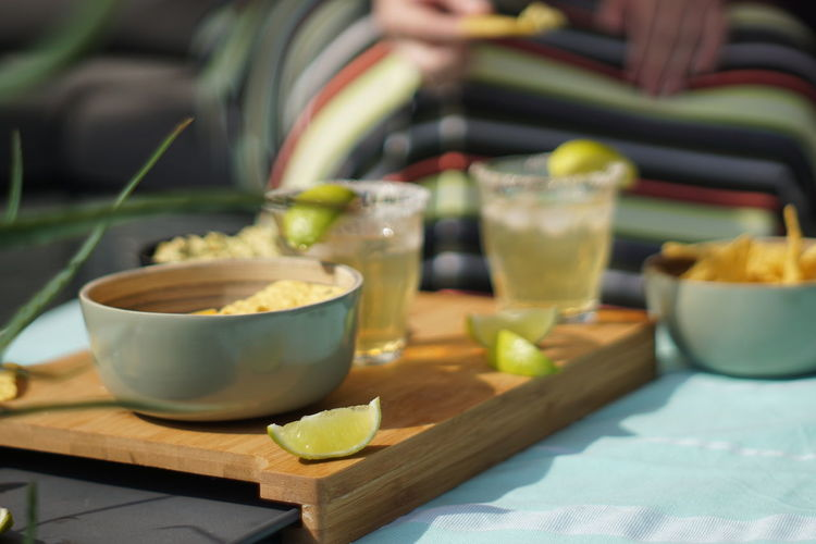 Cerveza Limes Avocado Bowl Close-up Cutting Board Drink Fiesta Food Fruit Glass Guacamole Healthy Eating Margaritas Mexican Food Selective Focus Still Life Table Tortilla Chips Tray Wellbeing Wood - Material