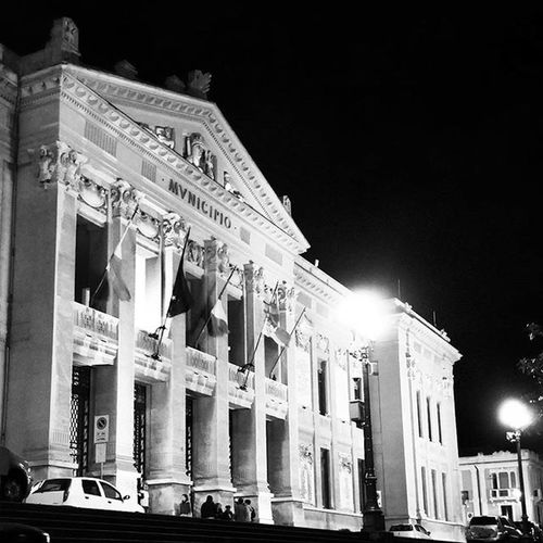 Messina Municipio Municipiomessina Palazzo Palace Comune Comunedimessina Piazzamunicipio Blackandwhite Lights Shadows Night Nightlife Out Photooftheday Monuments Black White Instagood Instalife Picoftheday Bestpicture Top_sicilia_photo Sud_super_pic