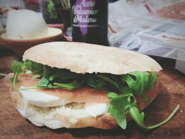 Puccia Salentina F1 Filter Food Food And Drink Sandwich Bread Savory Food No People Bun Fast Food Close-up Ready-to-eat Freshness Indoors  Android Photography Smartphone Photography Note 2 Typical Food Arugula Prosciutto Crudo Mozzarella Paninos